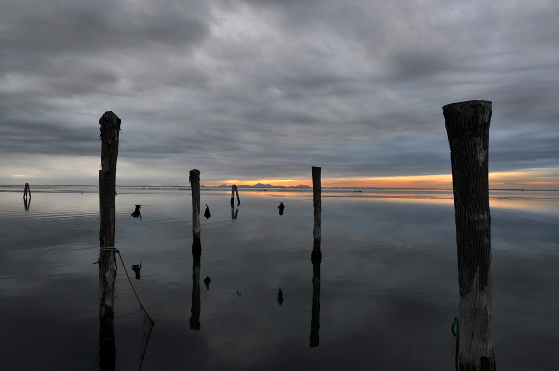 © Salvatore-Correra-Italy-Cloudy lagoon