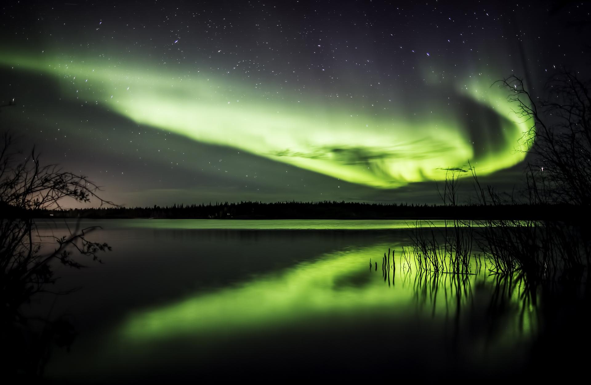 © Phillip-Kwan-Canada-Northern Light Reflection