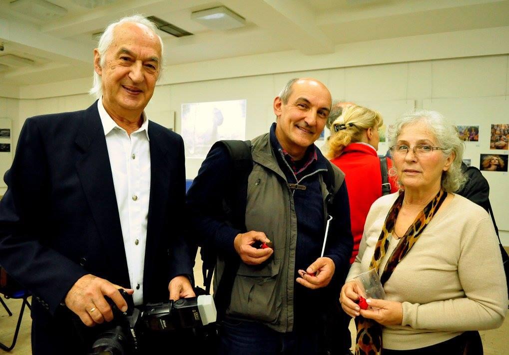 Predsednik Nadzornog odbora FSS  i umetnik fotografije Gospodin Božidar Vitas, Gospodja Tomka Vitas i umetnik fotografije Milan Marković